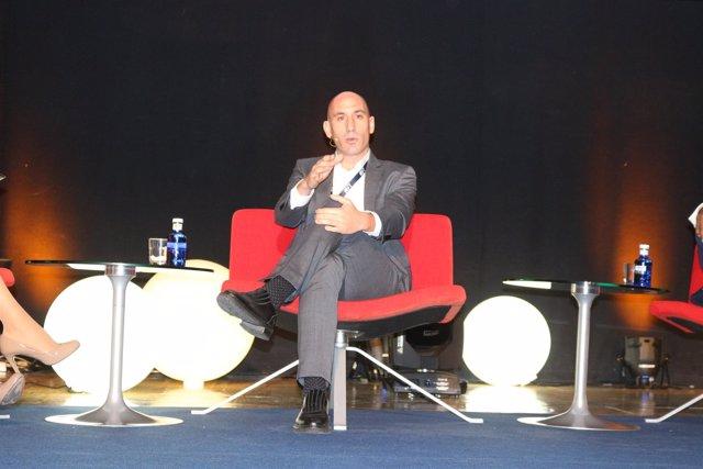 Luis Rubiales en el World Football Summit