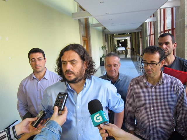 Trabajadores de Isolux-Corsán, con Antón Sánchez (En Marea)