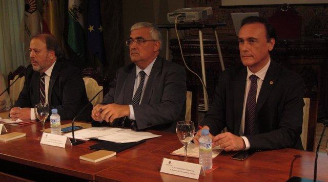 Antonio Ramírez de Arellano con rector de la UCO y presidente del Consejo Social
