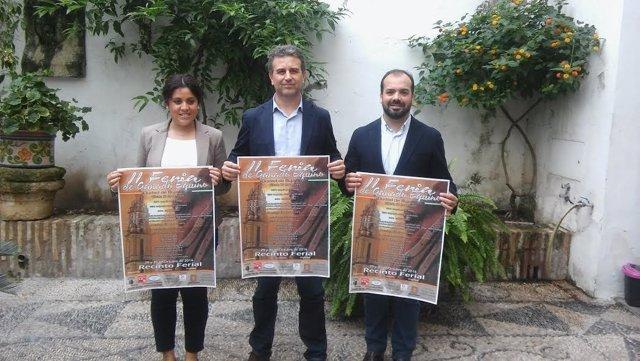 Sánchez (centro), durante la presentación de la Feria de Ganado Equino