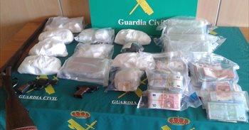 Detenidos los 11 integrantes de una organización que vendía drogas en...