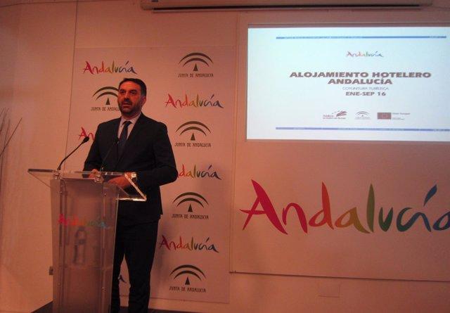 Francisco Javier Fernández en rueda de prensa en Málaga
