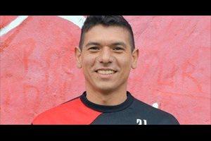 Un futbolista argentino cambia de apellido para evitar bromas