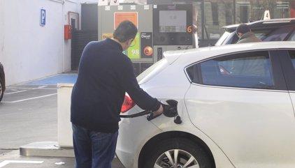 El IPC interanual sube cinco décimas en octubre, hasta el 0,7%, por la luz y la gasolina