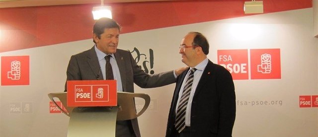 Javier Fernández con Miquel Iceta.