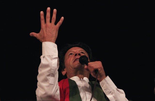 EI presidente del partido Pakistan Tehreek e Insaf (PTI), Imran Jan