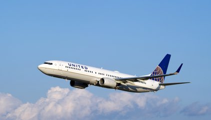 Un error en un avió d'United Airlines obliga l'Aeroport de Barcelona a operar amb pistes creuades