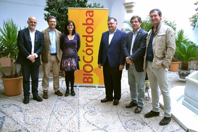 Autoridades durante la presentación de BioCórdoba 2016