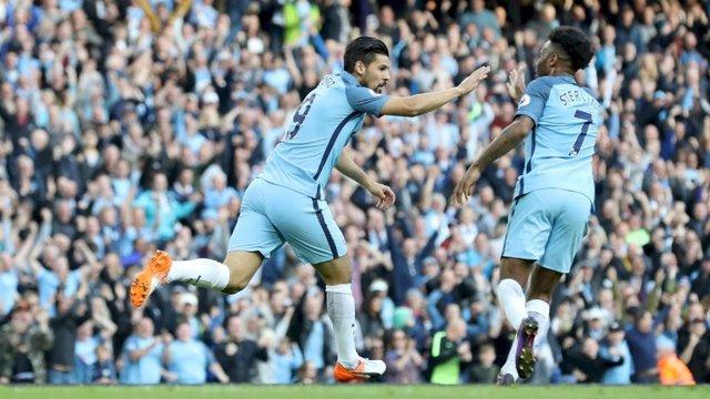 Nolito celebra su gol con Sterling