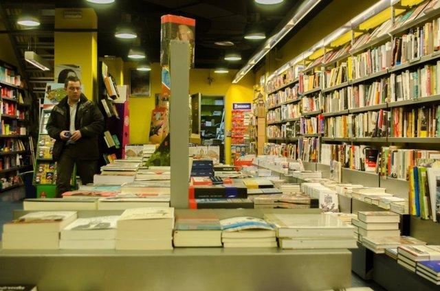 Libros, libreria, compra, comprando, educación, estudio, estudios, estudiar