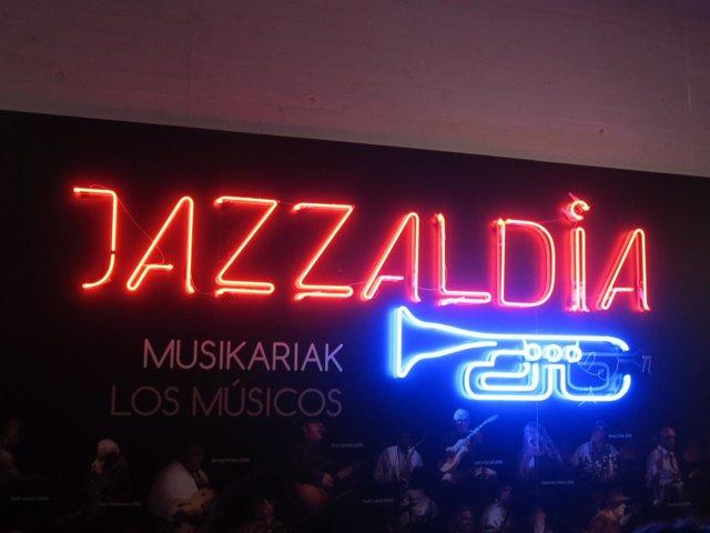 Luminoso del Jazzaldia.
