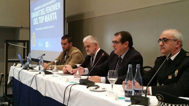 El conseller Jordi Jané en unas conferencias sobre 'top manta'