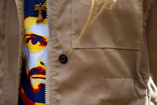 Lilian Tintori lleva una camiseta con la imagen de su marido, Leopoldo López