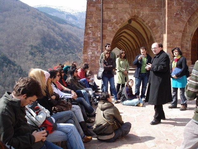 Visita al monasterio de Valvanera de jóvenes