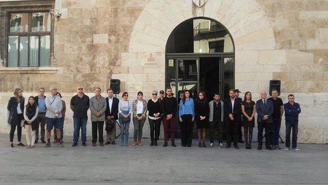 El Consell y los grupos políticos condenan los asesinatos de Calpe y Chella