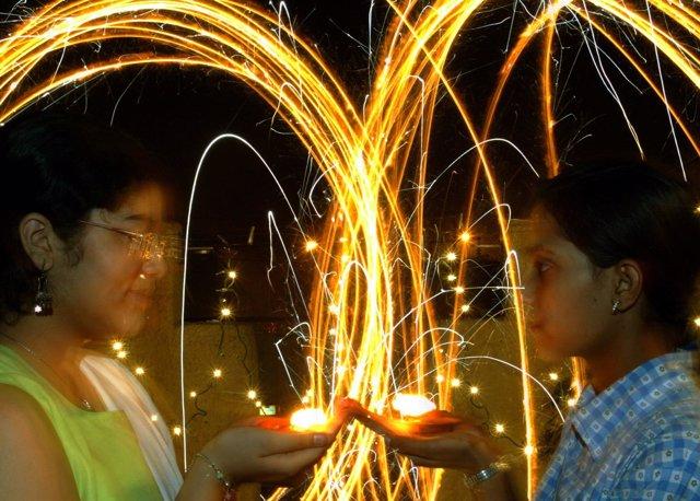 Fuegos artificiales durante el festival de Divali, en Nueva Delhi