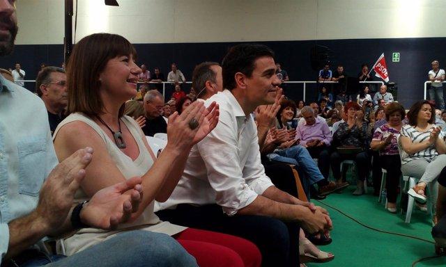 Imagen de archivo de Pedro Sánchez y Francina Armengol en mayo de 2016