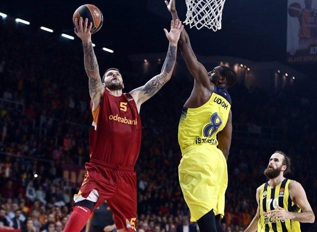 Ekpe Udoh, jugador estadounidense del Fenerbahçe