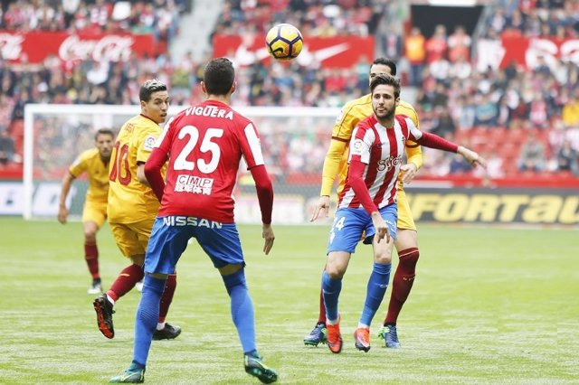 Sporting y Sevilla empatan en El Molinón