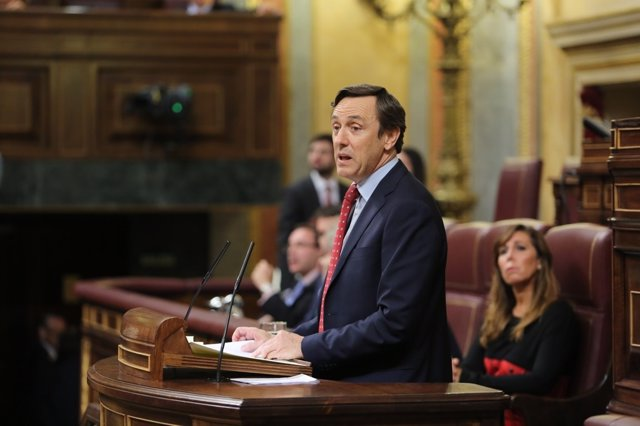 Rafael Hernando en el debate de investidura