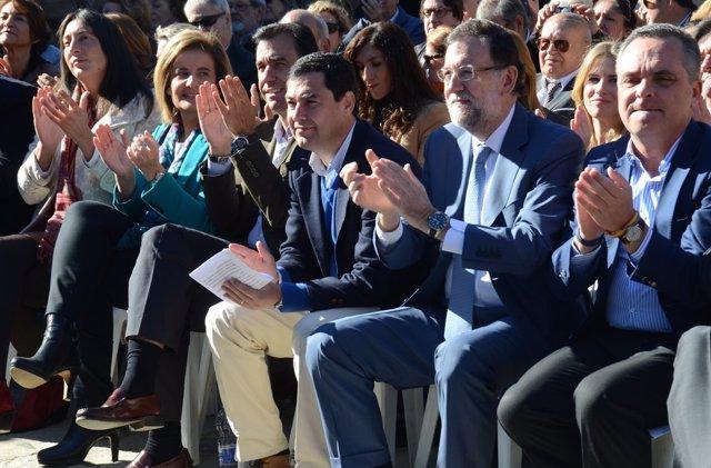 Rajoy, con Juanma Moreno, en un acto en Tomares (Sevilla)