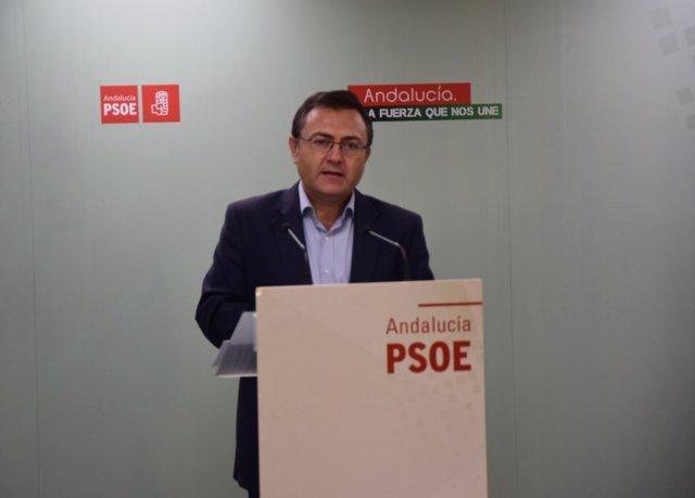 Rueda de prensa de Miguel Ángel Heredia (PSOE) en Málaga