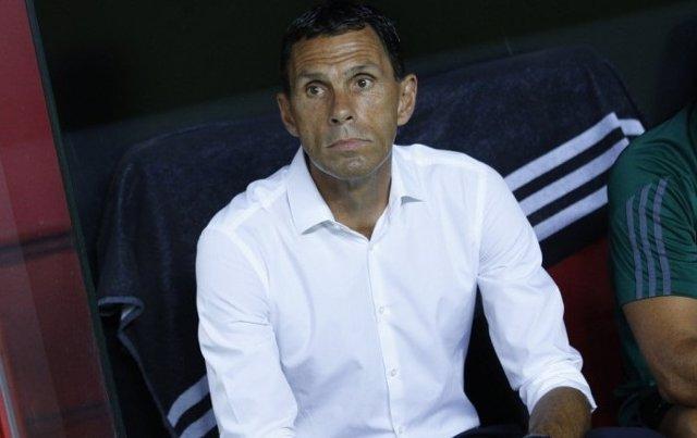 Gustavo Poyet, entrenador del Real Betis