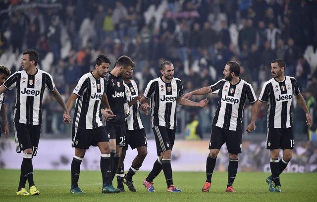 La Juventus de Turín sigue líder en la Serie A
