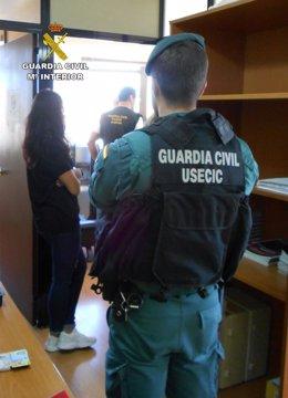 Imagen de la operación de la Guardia Civil durante la operación