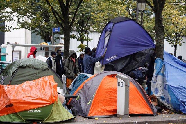 Acampada de inmigrantes en París