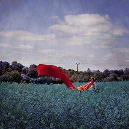Fotografía de Sonya Hurtado sobre 'Caperucita roja'