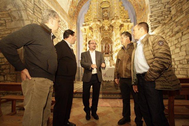 Javier Lambán visita el Monasterio de San Victorián