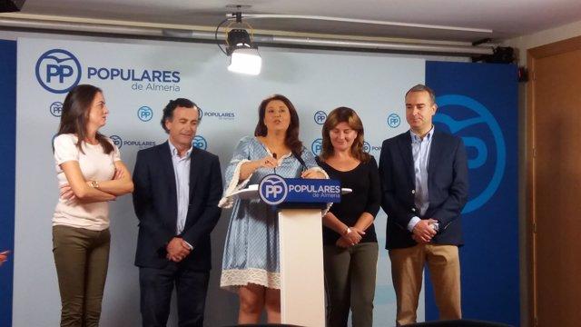 Carmen Crespo junto a los parlamentarios andaluces por el PP