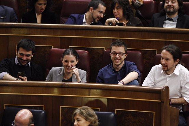 Errejón, Montero y Pablo Iglesias en el debate de investidura en el Congreso