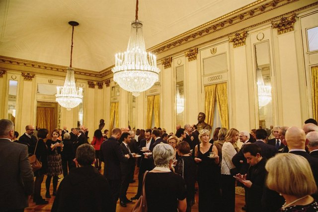 Presentación de Sevilla en la Scala de Milán
