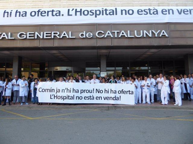 Concentración trabajadores Hospital General de Catalunya (HGC)