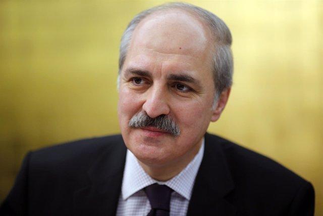 El viceprimer ministro de Turquía, Numan Kurtulmus.