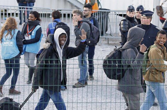 Menores evacuados de Calais