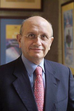 Máximo González Jurado, presidente del Consejo General de Enfermería