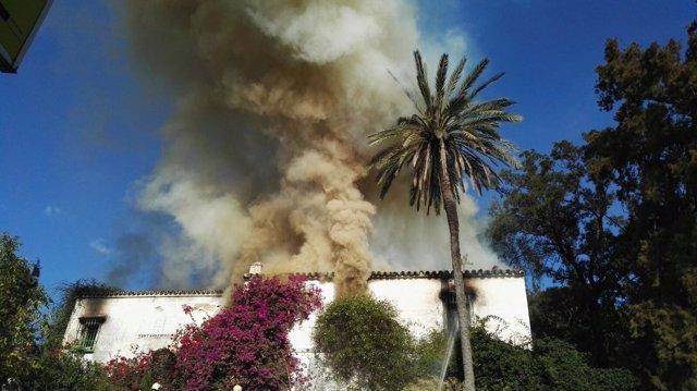 La hacienda Vistahermosa en llamas.