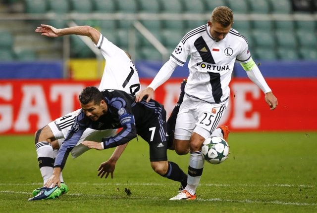 Cristiano Ronaldo ante el Legia Varsovia