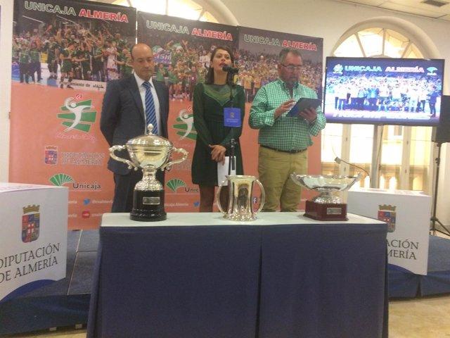 El 'Triplete' del Club Voleibol Unicaja recorrerá la provincia.