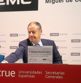 El rector de Vigo y presidente de CRUE-Secretarías Generales, Salustiano Mato