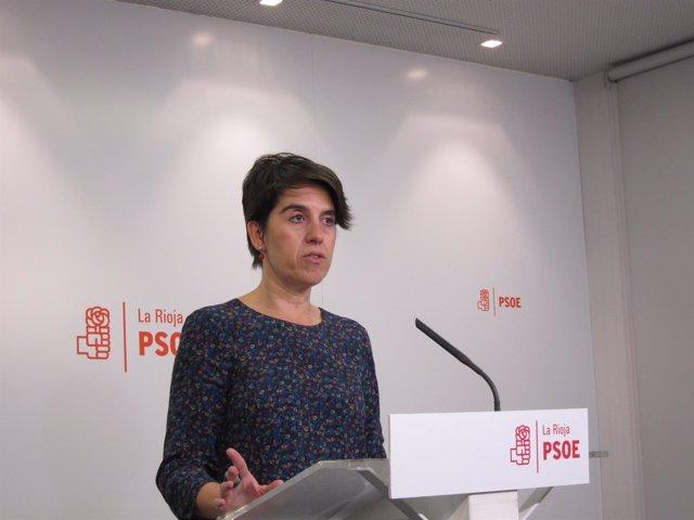 La diputada del PSOE, Nuría del Río, en rueda de prensa