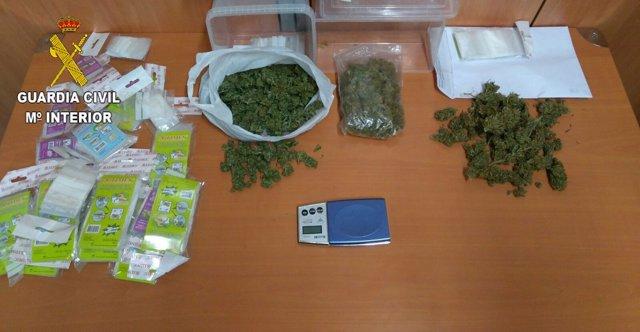 Droga intervenida en un kiosko de chucherías en L'Olleria