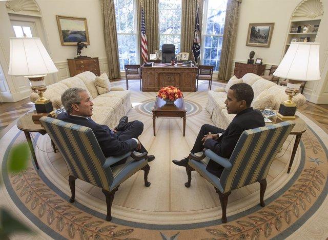 El Presidente Bush conoce al Presidente electo Barack Obama