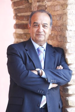 El rector de la UNIA, Juan Manuel Suárez Japón