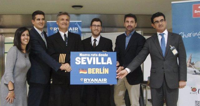 Bautizo de la nueva ruta Sevilla-Berlin de Ryanair