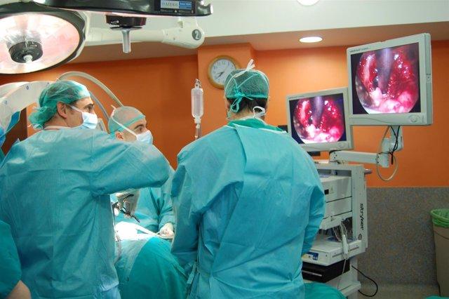 Operación cirugía columna