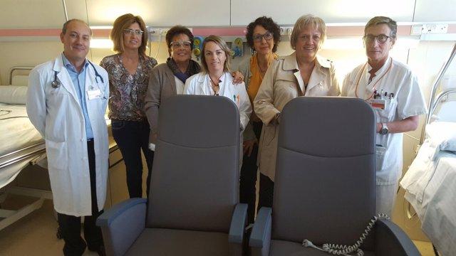 La Fundació Roses contra el Càncer entrega 8 butacas automáticas al ICO Girona